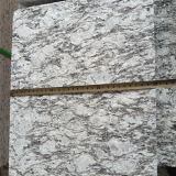 La Cina Flamed Spray White Granite Tiles/Slabs per Stair Steps/Flooring Tiles