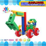 ブロックのおもちゃの知的なおもちゃは、多彩なプラスチック机おもちゃのデスクトップのおもちゃを妨げる