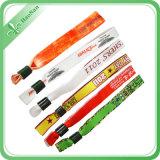 Bracelets faits sur commande personnalisés pour la célébration de mariage