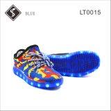 軽いOutsoleの青い子供そして女性LEDのスニーカーの靴