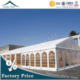 Tente de luxe blanche en gros de verrière de noce avec des doublures et des rideaux