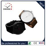 標準的な様式のステンレス鋼の腕時計