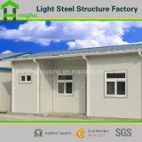Casa prefabricada de acero de la azotea de la cuesta de la casa del panel de emparedado