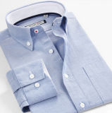 Del cotone del tasto camicia di Oxford del collare giù con la casella della cassa