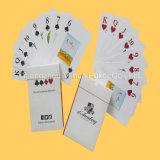 Projetar cartões do casino dos cartões de jogo do papel com cor cheia