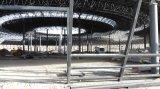 工場製造はプレハブの体育館を遊ばす