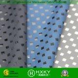 Tela revestida de la pongis del poliester con diseño perforado