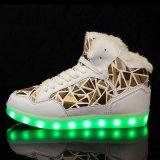 Il commercio all'ingrosso LED comodo del fornitore di Jinjiang illumina in su i caricamenti del sistema della neve dei pattini del LED