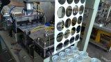 Tapas plásticas automáticas que forman la máquina