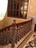 La antigüedad de madera sólida escalera Baranda
