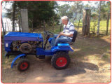 Huaxia 12HP-24HP Mini Tractor с CE Certificate Mounted на Tiller/Plough/Mower