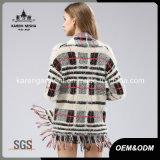 Втулка женщин волосатая длинняя окаимила пальто свитера шотландки связанное картиной