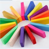 Brinquedos coloridos da massa de pão da argila