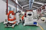O alimentador servo do Straightener do Nc da automatização faz o material que endireita no automóvel para moldar