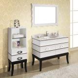 側面のキャビネットとの贅沢な様式の純木の浴室の虚栄心