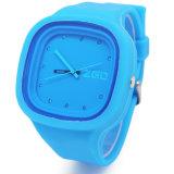 Montre-bracelet imperméable à l'eau réglable de claque de silicone de quartz de chevreaux