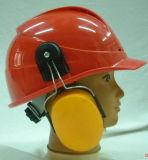 Casco de seguridad con los manguitos del oído