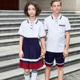 Modèle blanc de chemises et de jupe de polo pour l'uniforme scolaire moyen