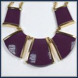 Neues Feld-Quadrat-Harz-hängende Halsketten-Form-Schmucksachen
