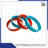 Wristbands del silicone di marchio impressi marchio di Customed Prined di modo per la promozione