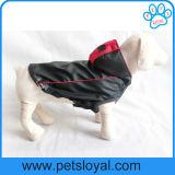 El perro de animal doméstico de la PU de la capa de lluvia del verano arropa la fábrica