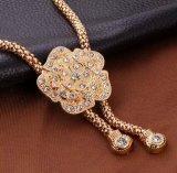 Nachgemachte Frauen-Form-Goldperlen-hängende Halsketten-Form-Schmucksachen mit Ohrring