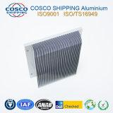 Überlegenes Aluminiumkühlkörper-Profil mit dem anodisierenden und maschinell bearbeitenden Silber