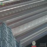 Toiture en acier ondulée galvanisée enduite d'une première couche de peinture