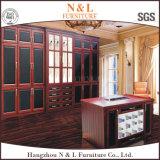 Armário Walk-in do quarto da grão de madeira luxuosa moderna