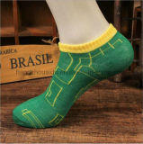 編む明るく鮮やかなローカットのMen&Womenの足首のソックス