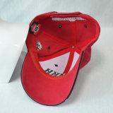 Gorra de béisbol bordada manera de encargo del algodón que compite con los casquillos
