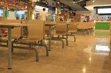 Tabela e cadeira baratas do restaurante