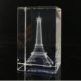 cubo del vidrio cristalino de la imagen del grabado del laser 3D para los recuerdos