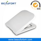 Erstklassige quadratische weiße Toiletten-Sitzzubehör mit Verlangsamung-Mechanismus