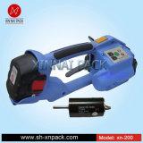 Затавренные батареей инструменты электричества