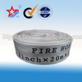 Whilte ou mangueira preta da luta contra o incêndio do forro do PVC
