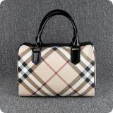 Handbagブランドの女性