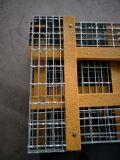 Pisadas de escalera Grating de la seguridad de acero del Técnico-Tamiz T6 con el resbalón Nosings resistente