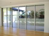 Алюминиевая сползая дверь балкона
