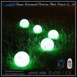 Bola de flotación rotatoria material del plástico LED del PE que moldea con teledirigido