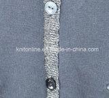 Placketの銀製の糸が付いている女の子のアクリルのカーディガンおよび首ライン、ポケットの星の刺繍