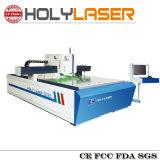 Vidrio dentro de la máquina de grabado de la fábrica santa del laser