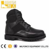 軍隊の兵士のための黒い戦闘用ブーツは卸し売りする