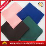 安いナプキンの布表ナプキンの折りたたみデザイン習慣によって刺繍されるナプキン