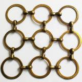 スペースディバイダおよび装飾のための金属のリングの網