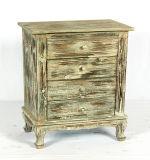 A antiguidade recuperou o carrinho gasto da tevê do chique do uso do gabinete da mobília da casa de madeira