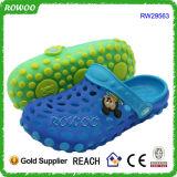 Nette Entwurfs-Kind-Garten-Schuh-preiswerter Plastik verstopft (RW29563)