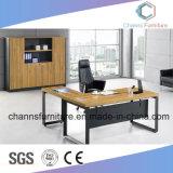 Escritorio de oficina de madera moderno del vector del encargado de los muebles