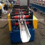 機械を形作る鋼鉄雨溝ロール