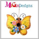 Likable Butterfly Garden Utilisez un aliment à oiseaux en métal suspendu